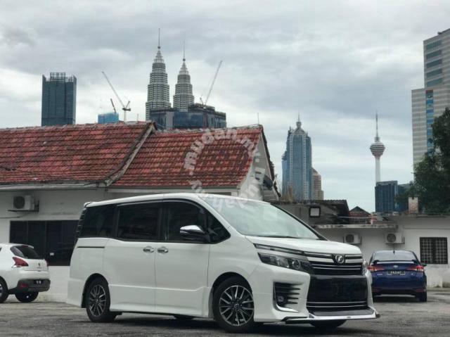 Toyota VOXY 2.0 ZS KIRAMEKI II (A) 2017