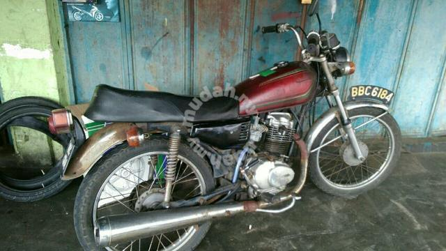 my honda cg125 (cafe racer) tear down and full custom re build - 8834639375