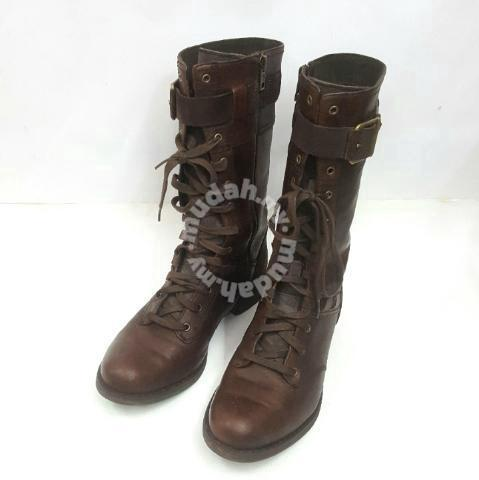 f11cfa10f45 Timberland Earthkeeper Savin Hill Mid Boots. - Shoes for sale in Johor  Bahru, Johor