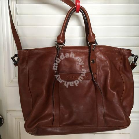 279837427655 LongChamp Leather Slingbag - Bags   Wallets for sale in Kota Kinabalu