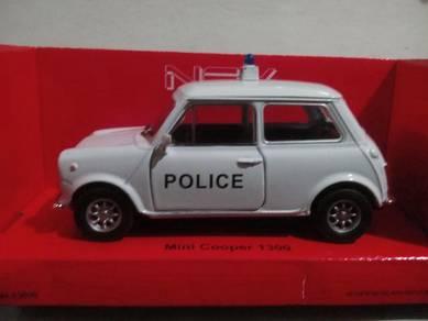 Diecast mini cooper police 1/32