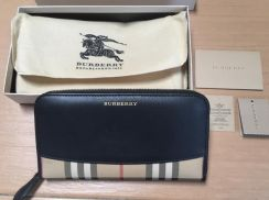 Authentic Burberry wallet like new