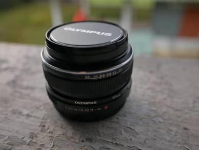 Olympus 17mm F1.8 (Black)