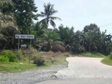 Tanah Lot Kampung di Batu 12 Sandakan