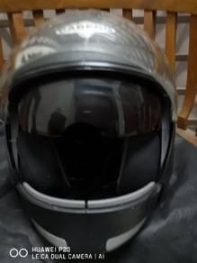 Helmet caberg