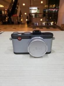 Leica x-e (typ 102) digital camera (99% new)