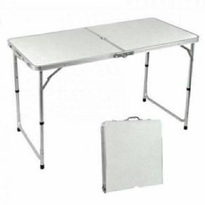 Meja lipat serbaguna