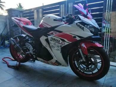 Yamaha r25 complete