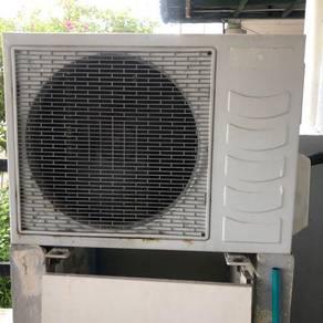 Aircond , penghawa dingin , airconditioner
