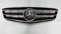 Mercedes Benz W204 Front Grill Black