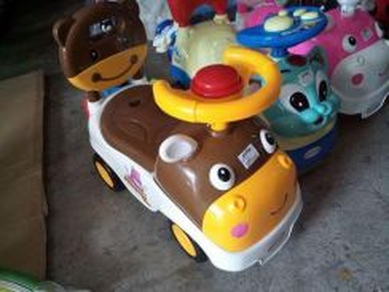 Cute toadler car cow