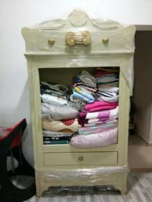 Cute cabinet / cupboard