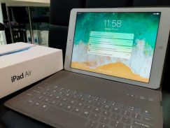 IPad Air Retina 16GB WiFi Free Bluetooth Keyboard