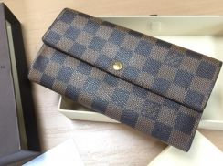 Authentic Louis Vuitton wallet with receipt