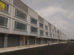 3 Storey Freehold Shop office 0% Down Payment Nilai