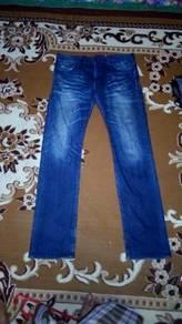 Seluar jeans uniqlo