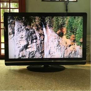 SHARP 40� Lcd HD Tv