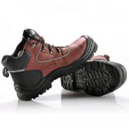 Metal free composite toe safety boots