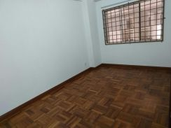 Pearl point old klang road semi furnish with balcony rm1400