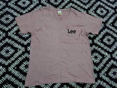 Lee v neck t shirt pocket soze 37 fit to size L