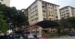 Puchong Permai, Permata apartment with kitchen cabinet