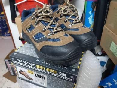 Safety shoes berjenama safety jogger