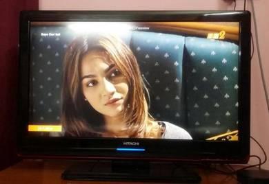 Tv LCD Hitachi 32 Inchi masih cantik
