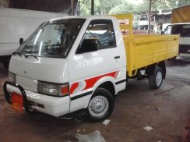 Nissan vantte 2009 wooden 9ft bdm2200kg
