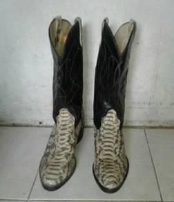 BRONCO CowBoy BOOTS (Snake Skin)