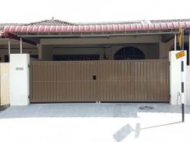 Single storey terrace at taman klebang restu,chemor