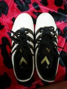 Footbool shoes