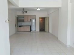 Glenview Villa Condominium Partly Furnished with Aircond