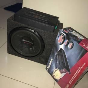 Pioneer Sound system. Amplifier & subwoofer