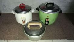 Small And Medium Size Rice Cookers.