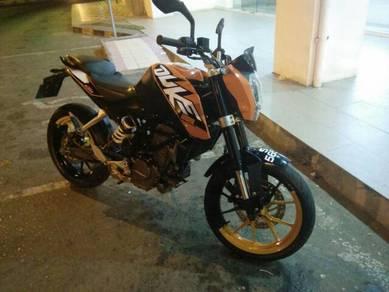 KTM DUKE 200 brserta helmet NHK. only .myr11k