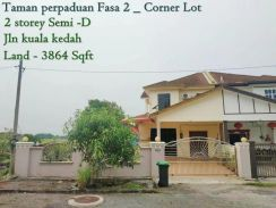 Corner lot semi D for sales
