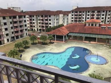 Skudai Villa Apartment Bandar Selesa Jaya, 3 Bed 2 Bath, 85% New