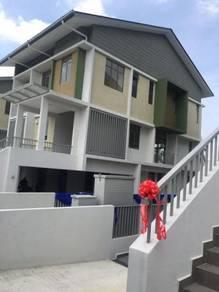 Zero lot bungalow 7 semi d house danau mutiara, putrajaya