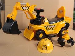 Excavator Ride on car for kids can dig soil