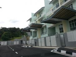 Shamrock Batu Ferringhi , Fully renovated , nice unit , value buy !