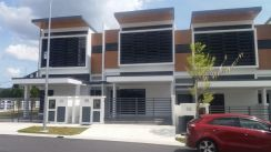 End lot 2 Storey with extra land of 1000 sq.ft. TTDI Grove IRIS Kajang