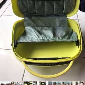 Make up suit case