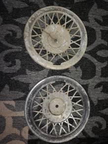 Vespa lambretta hubcap