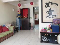100% loan Freehold Reno Double Storey House at Taman Puchong Utama