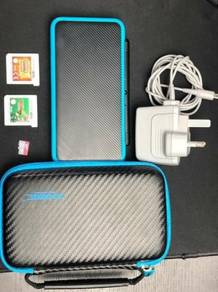 Nintendo 2DS XL + Games + Accessories