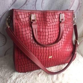 (53 DISCOUNT) Braun Buffel Leather Bag in Red