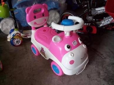 Cute toadler car pink cow