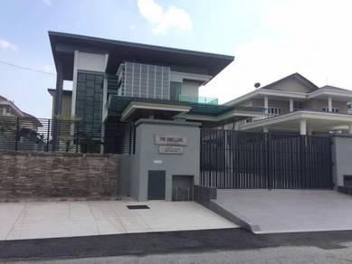 2 storey bungalow sek8 SHAH ALAM ,swimming pool&jakuzi