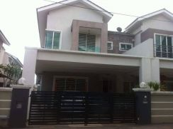 Double Storey Cluster Semi-D For Sale at Bercham