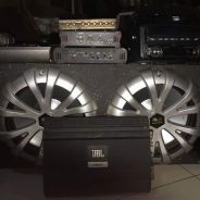 Car audio system with high bass